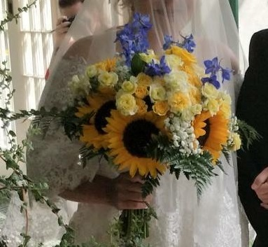 Bride's bouquet with sunflowers