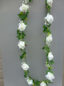 Garland artificial mini with ivory roses & gyps