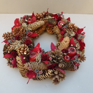 Christmas Wreath with Pine Cones Berries Apples  large