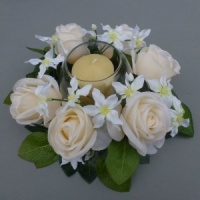Candle ring with artificial champagne roses & chonodoxa