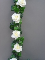Garland with artificial ivory silk roses