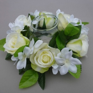 Candle ring with Ivory Roses and Stephanotis