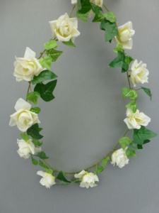 Garland artificial mini with  ivory roses
