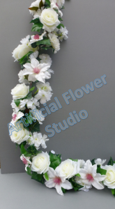 Luxurious Garland with ivory roses and clematis