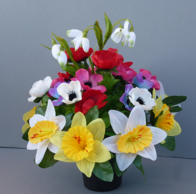 Cemetery pot with daffodils and anemonies