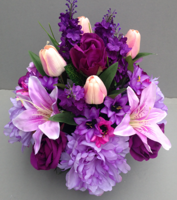 Pot for memorial vase with lilac peonies