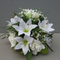 Centerpiece for wedding table with artificial ivory roses & lilies & gyps