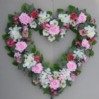 26'' Heart Wreath with artificial pink roses